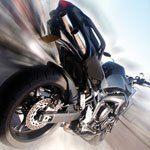 Crédit moto : comment concilier deux-roues et sac à dos?