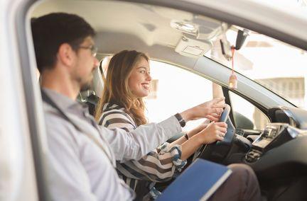 Auto : Zoom sur la baisse du coût du permis de conduire