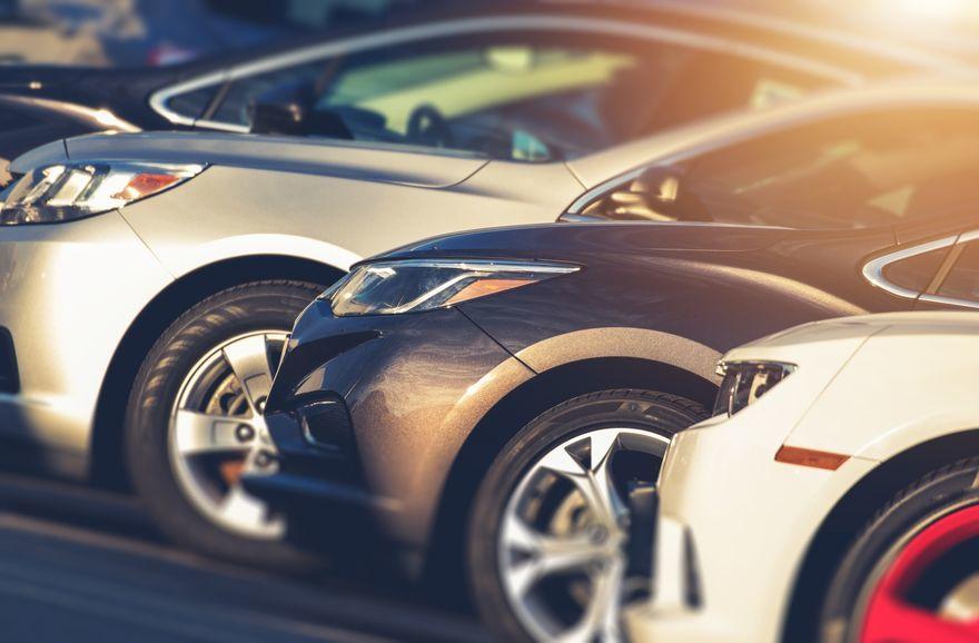 Auto : léger recul des ventes de voitures neuves en France en mars
